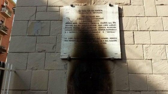 Un'altra lapide partigiana incendiata in città. Occorre la vigilanza di tutte le forze democratiche ed antifasciste a Bologna