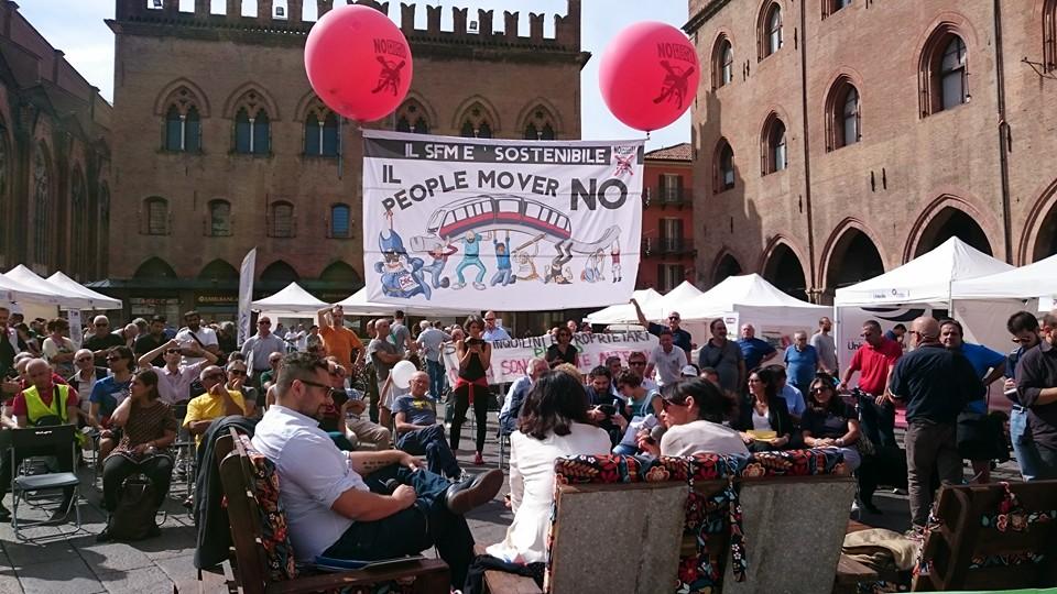 Un film sul People Mover. Sabato 28 in piazza come comparse