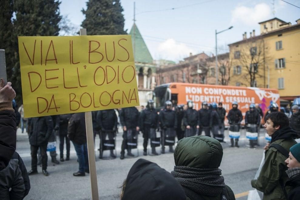 'Bus dell'odio': approvata mozione di Coalizione Civica contro le discriminazioni