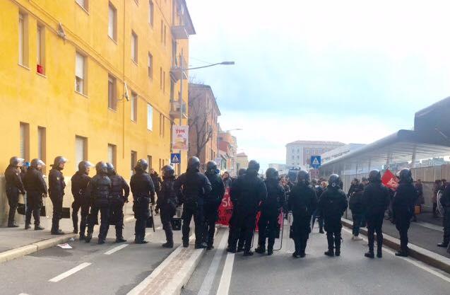 Sgombero in Via Carracci: per la giunta è tutto normale e non c'è emergenza abitativa