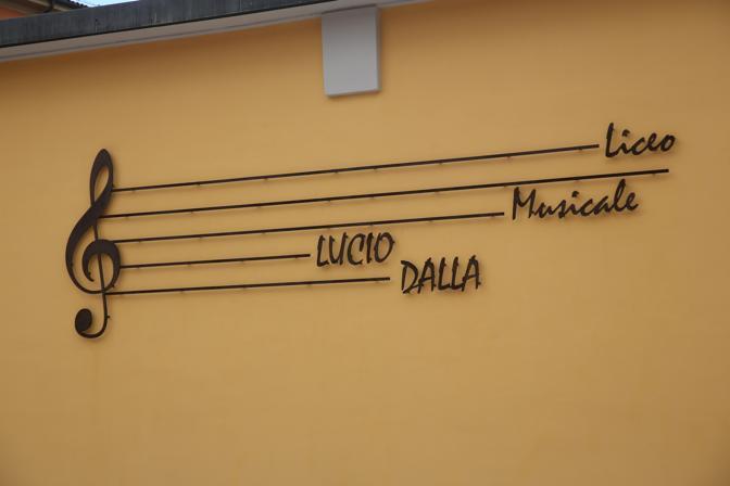 """Liceo Musicale """"Lucio Dalla"""": """"Chiediamo che l'anno scolastico cominci a organico pieno"""""""