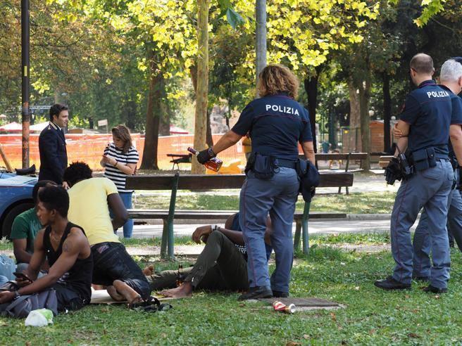 Mentre nel mondo si va verso la legalizzazione a Bologna applichiamo i mini daspo