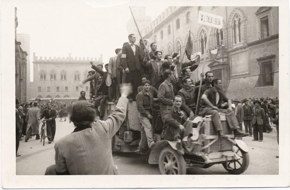 21 Aprile 1945 , Bologna è una città libera