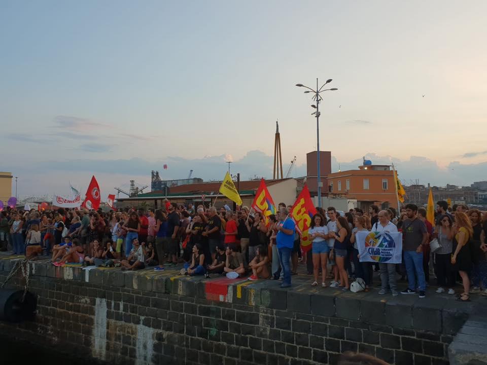 Presidio della Rete Antirazzista Catanese per i migranti sulla nave Diciotti