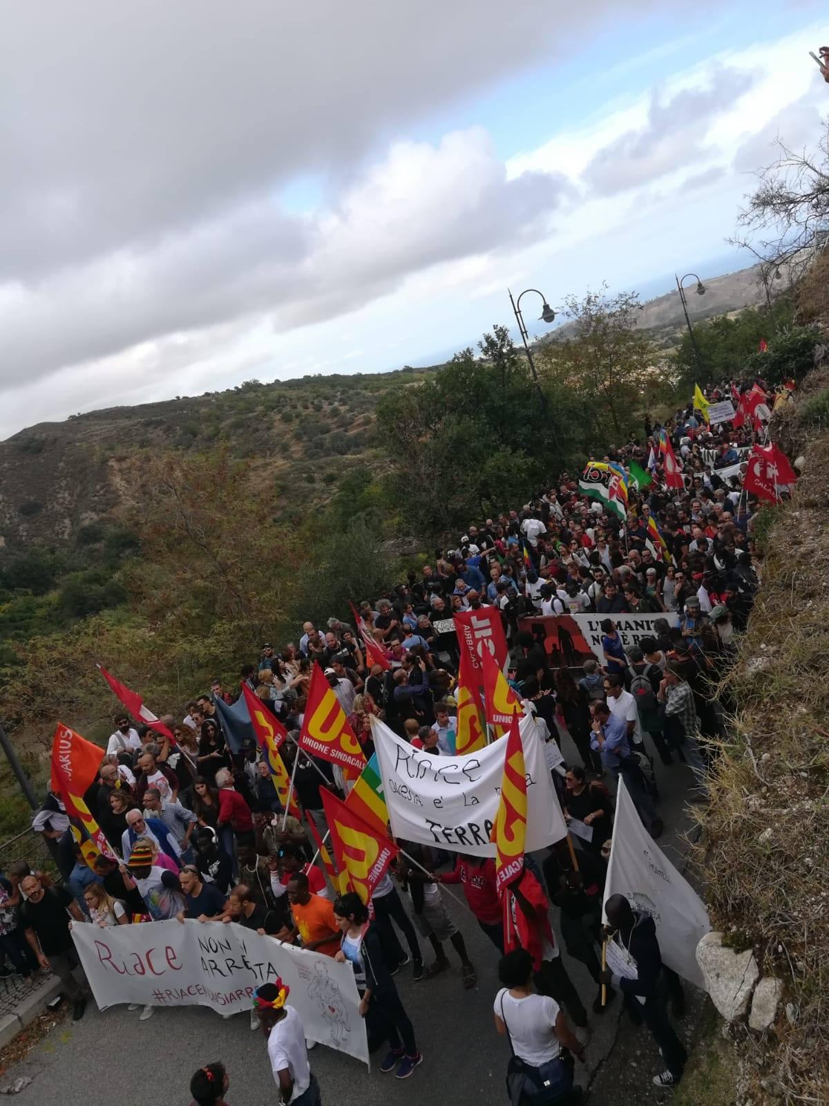 Le foto della manifestazione a Riace per Mimmo Lucano