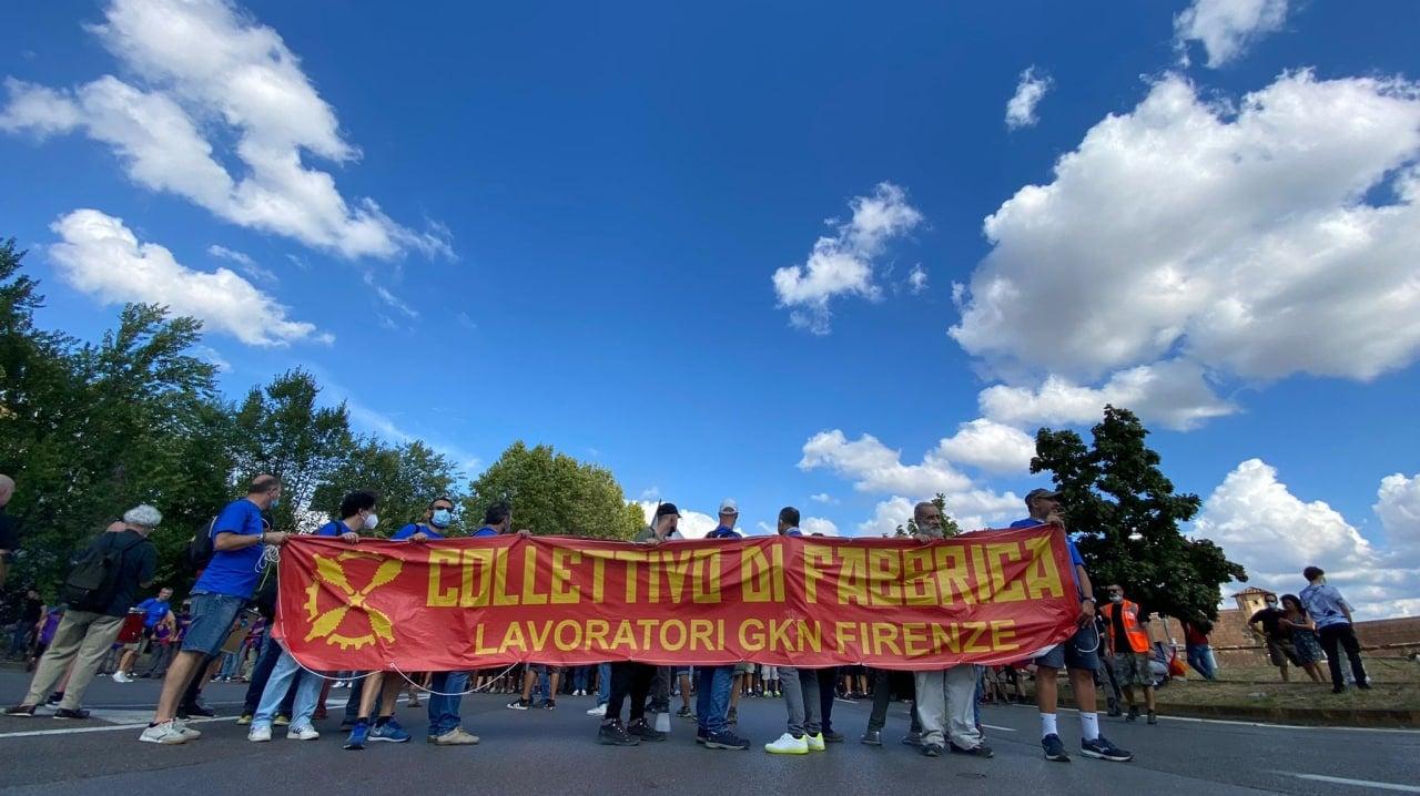 Solidali con la lotta del Collettivo Di Fabbrica – Lavoratori Gkn
