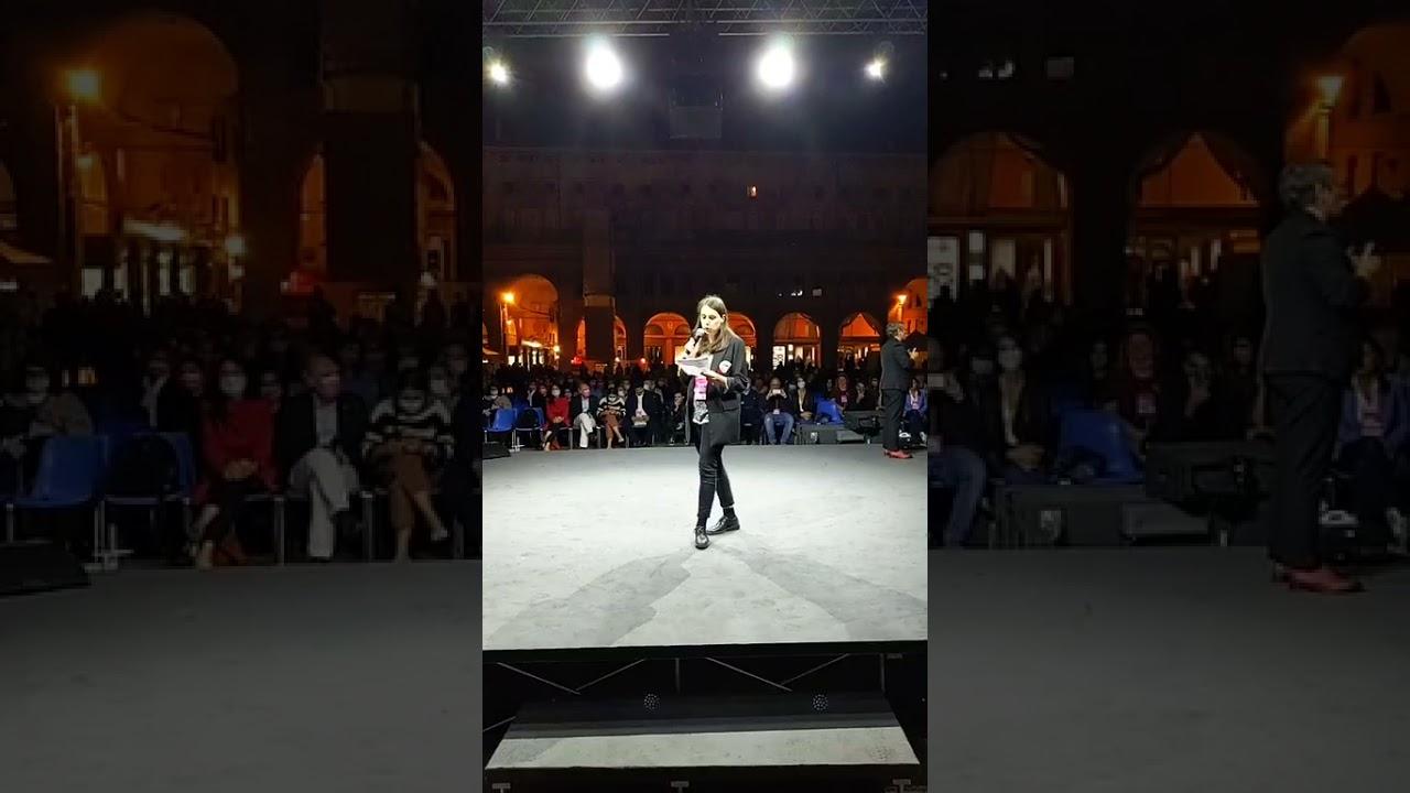 il Futuro è una Scelta. L'intervento di Emily Clancy in Piazza Maggiore